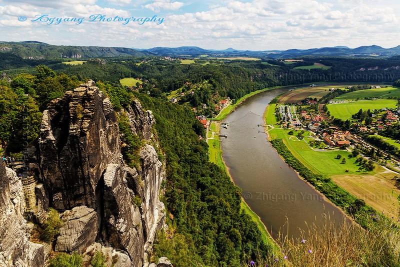 Basteiblick: Rathen village and Elbe river