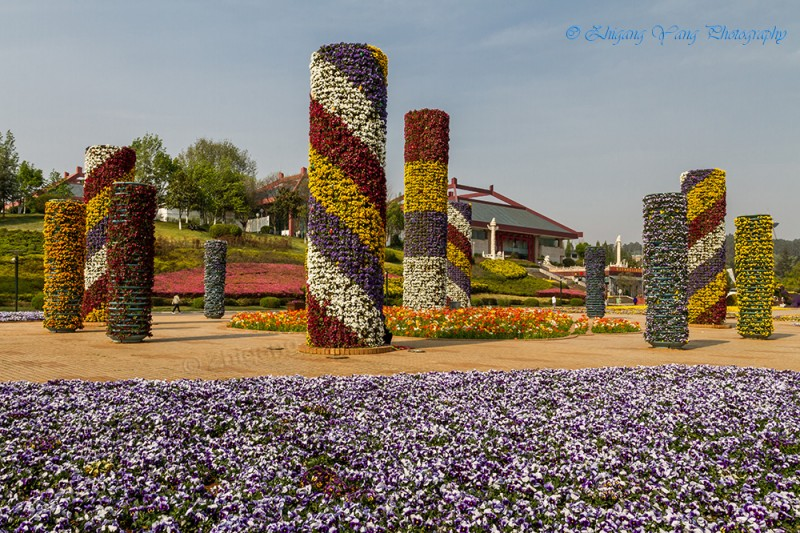 Flower deco pillars
