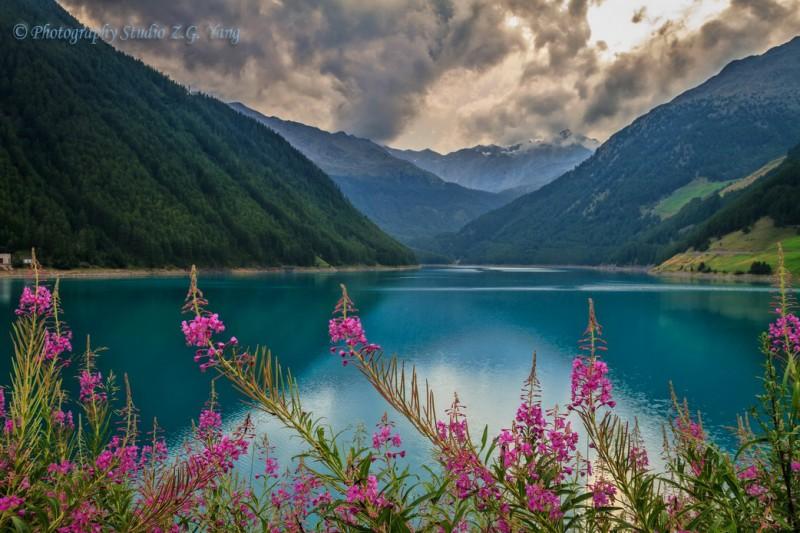 Lake Vernago