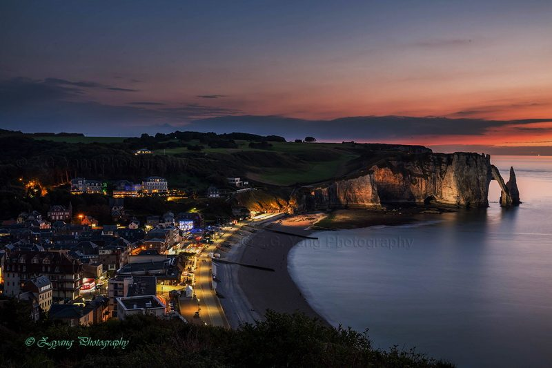Sunset moment at Etretat beach