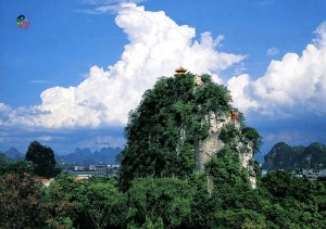 Duxiu Feng 独秀峰 (Solitary Beauty Peak) in the north west of the city