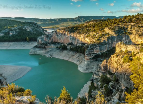 Lake Embalse Santolea Spain