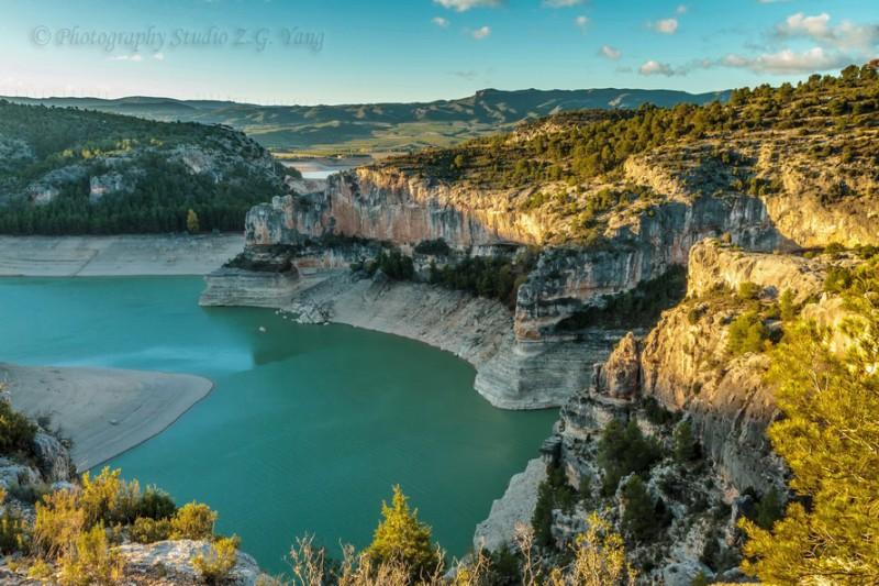 Lake Embalse Santolea