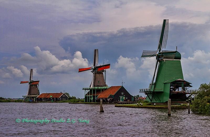 Windmills Zaandijk, Holland