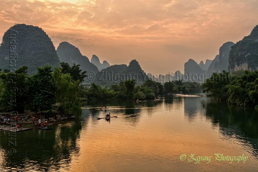 Sunset moment at Yulong River